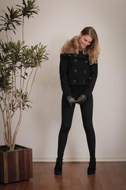 casaco com detalhe de pelo tita catita