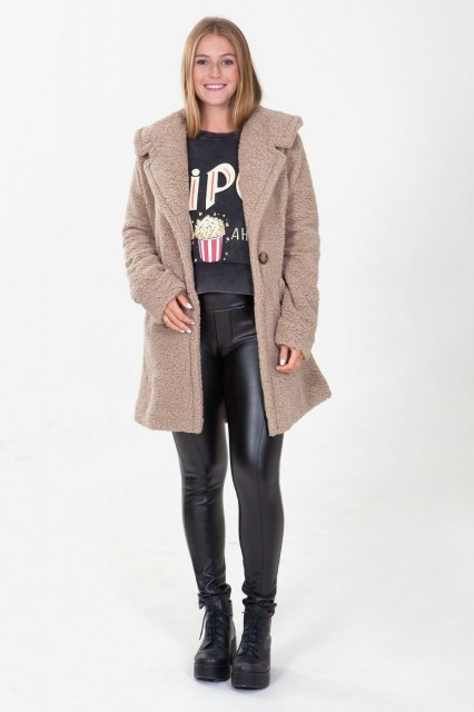 casaco fluffy tita catita