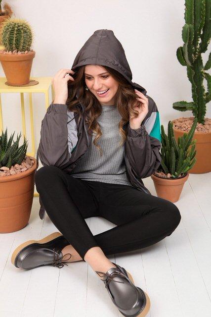 jaqueta com recortes tita catita